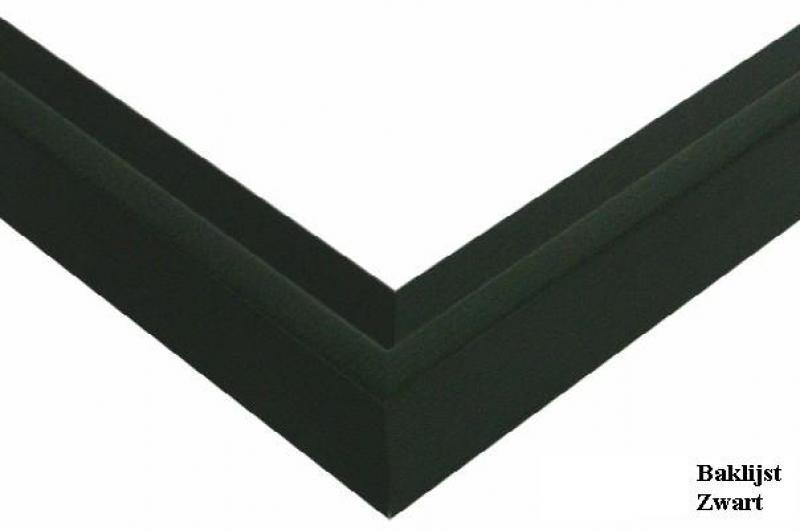 Baklijst trap mat zwart gelakt