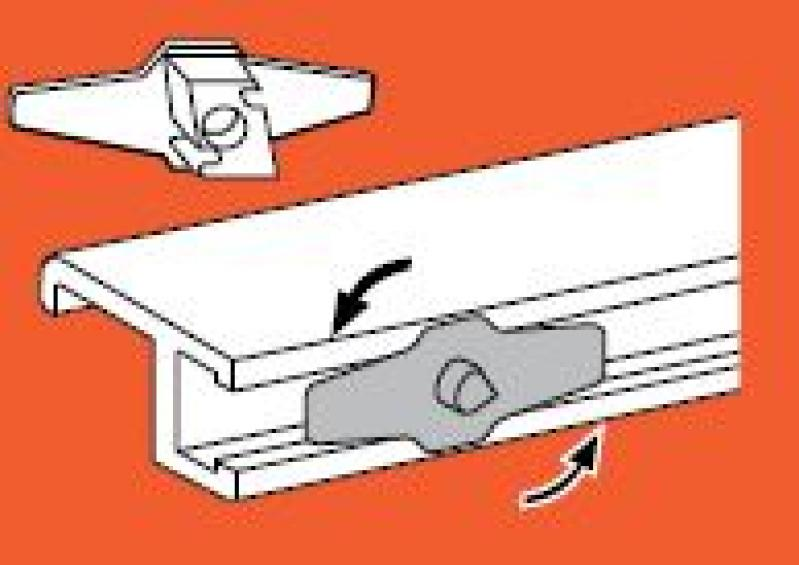 Ophanghaakje aluminium wissellijsten.